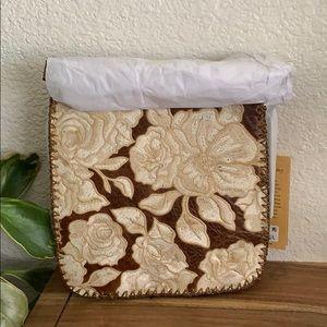 🆕Patricia Nash Crossbody bag : Natural Embroidery